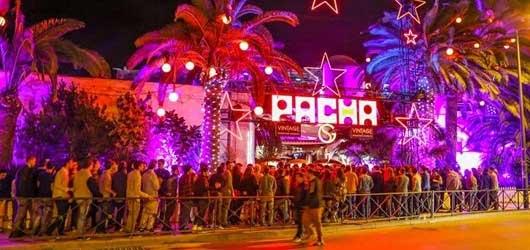 Fila de entrada na Pacha Ibiza