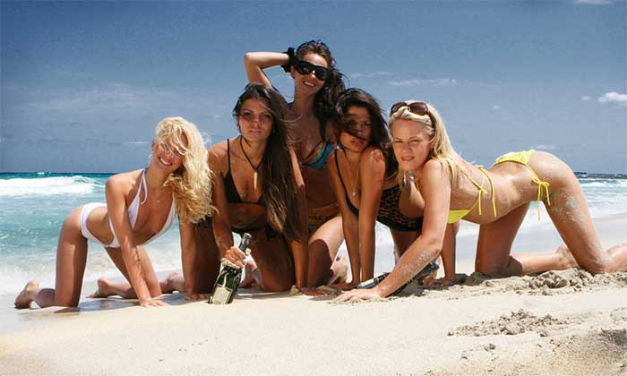 Gostosas praia Ibiza Topless