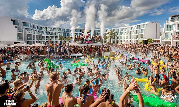 Hard Rock Hotel en Playa den Bossa Ibiza