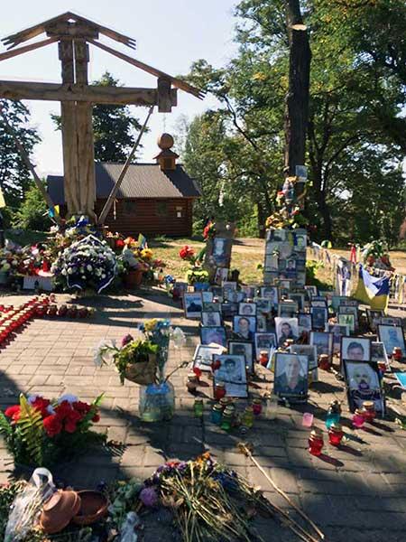Lembranças aos mortos em Kiev