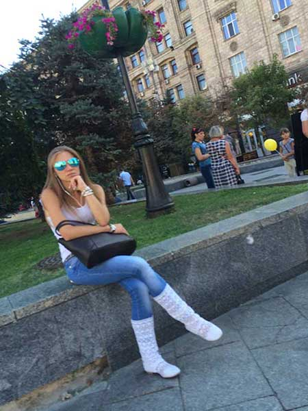 Loirinha cabelos lisos Kiev