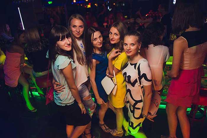 Mulheres ucranianas na balada Shooters