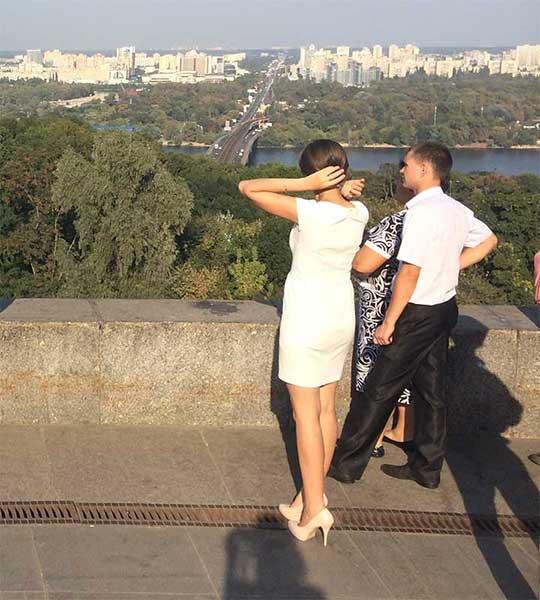 Mulheres ucranianas de salto alto