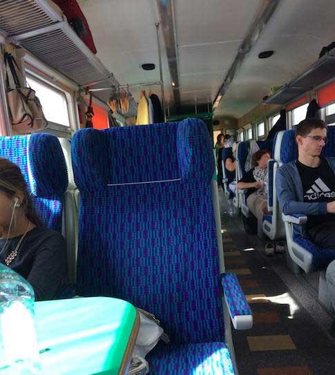 Trem de St. Petersburgo para Estonia